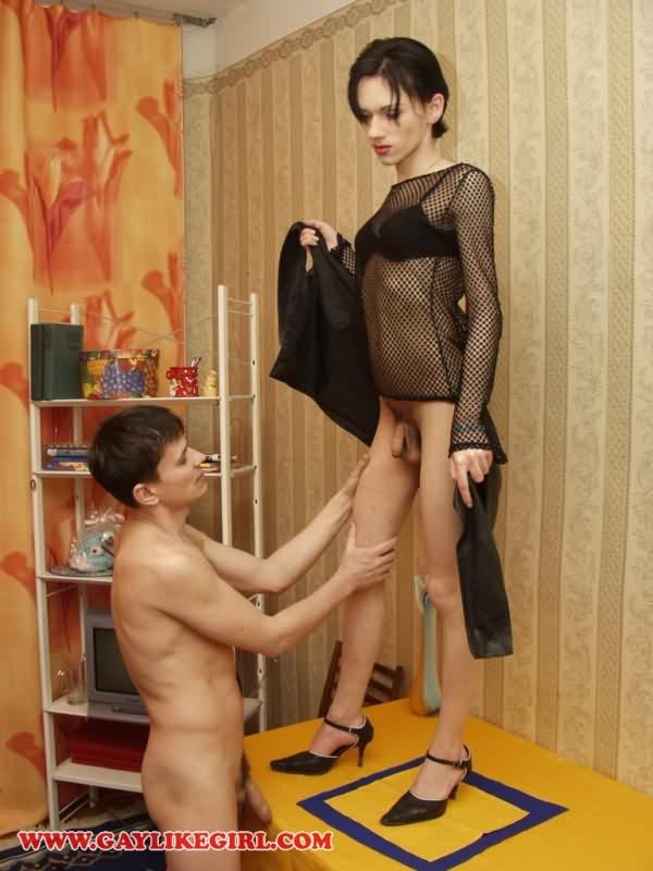 Молодые парни в женском платье порно